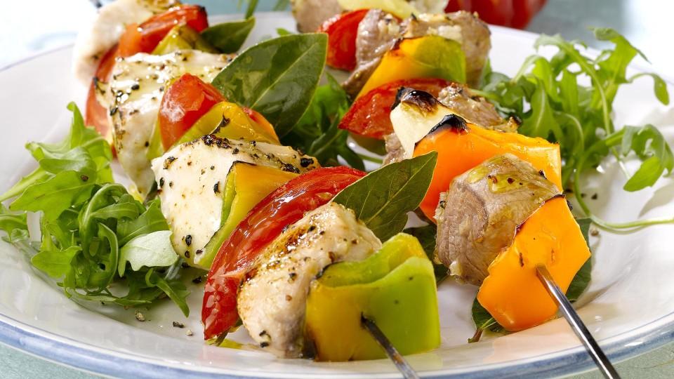 brocheta-pescado-pimiento-tomate-960x540