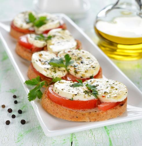 Aperitivos-de-queso-muzzarella-y-aderezo-italiano